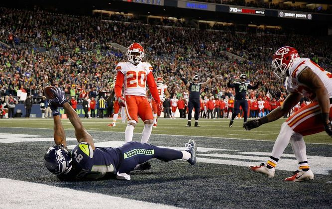 Seahawks avanzan a 'playoffs' tras vencer a Chiefs