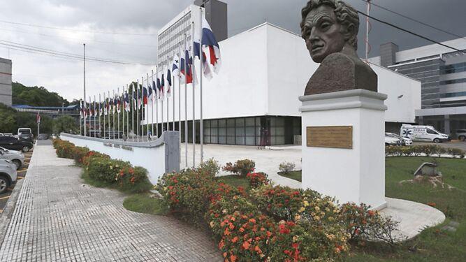 Suspenden licitación de mejoras a capilla y fachada de la Asamblea tras presentación de reclamo