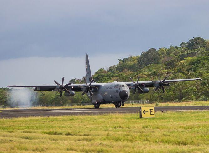 El avión caza huracanes aterrizó en suelo panameño