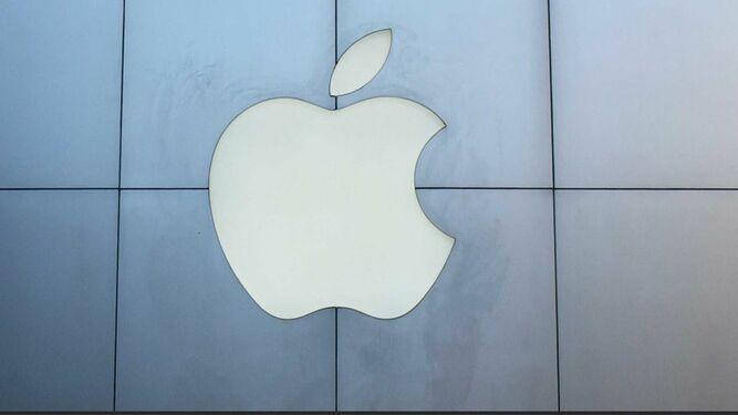 Trump dice que Apple deberá pagar aranceles por computadoras que fabrique en China