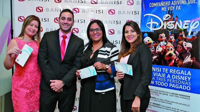Banisi premia a sus colaboradores