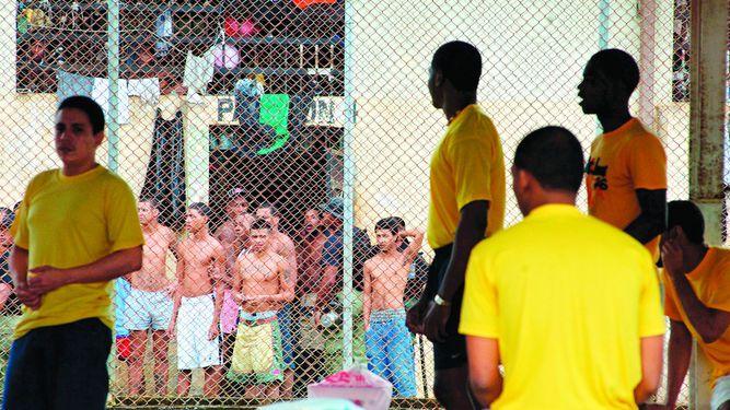 Juez otorga fianza a red de corrupción en las cárceles