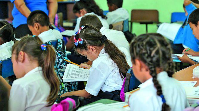 Crisis educativa limita a jóvenes