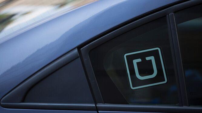 Vehículos de Uber estarán obligados a usar logo en puertas y pagar impuestos, establece anteproyecto