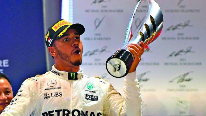 Hamilton gana y se distancia en la F1