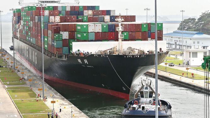 Administrador del Canal de Panamá aclara que no hay ningún buque detenido con carga de Venezuela