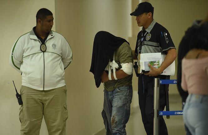 Decretan detención y cargos de homicidio a conductor involucrado en accidente en Villa Lorena