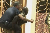 Al menos 27 rehenes y 13 terroristas muertos en ataque contra hotel en Malí