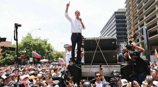Venezolanos seguirán en la calle; Maduro se muestra firme