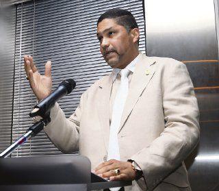 Castañeda ordena no revelar lista de aspirantes