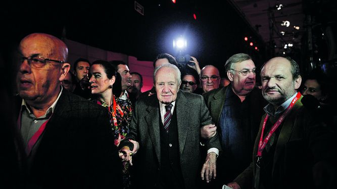 Soares, padre de la democracia de Portugal, murió