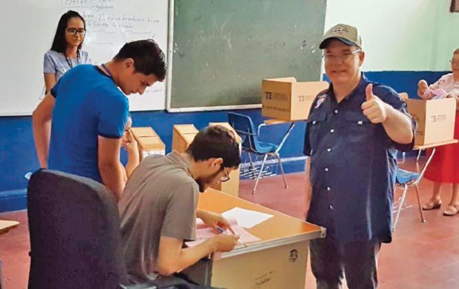 José Luis Fábrega gana la candidatura para la Alcaldía capital sobre Quibián Panay