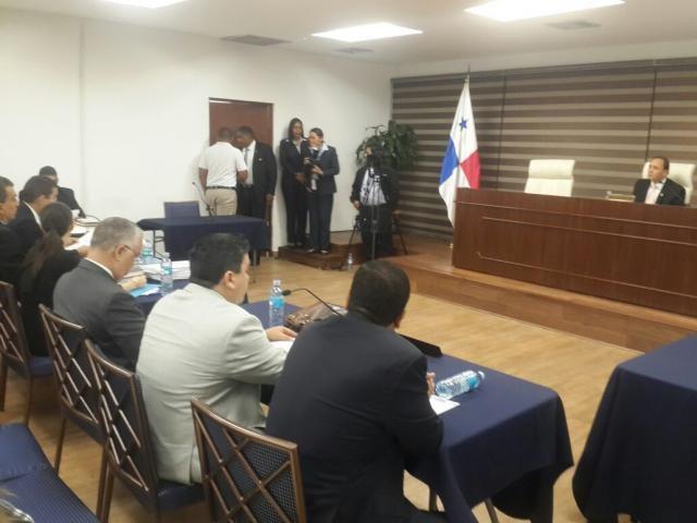 Héctor Aparicio y Luis Ábrego, cara a cara en el Tribunal Electoral