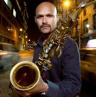 Entrevista al saxofonista Miguel Zenón, un puertorriqueño que usa el 'jazz' como vehículo de identidad