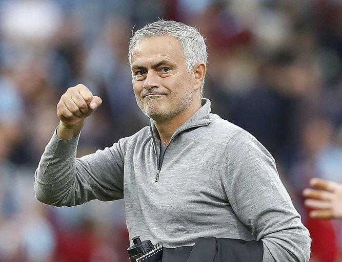 Un Manchester United en crisis despide a José  Mourinho