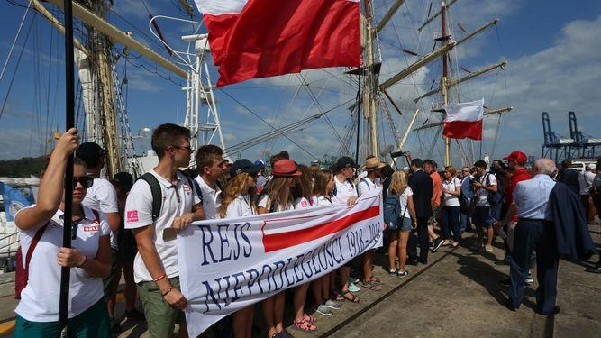 Peregrinos de Polonia llegan en un velero para participar de la JMJ