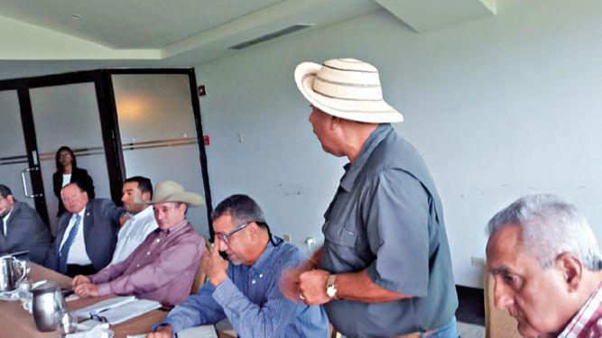 Gobierno y productores instalan mesa técnica; revisarán avances