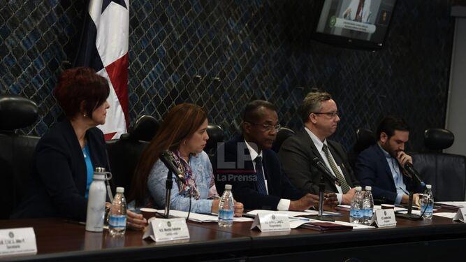 Concluye proceso de entrevistas a los aspirantes a la Defensoría del Pueblo