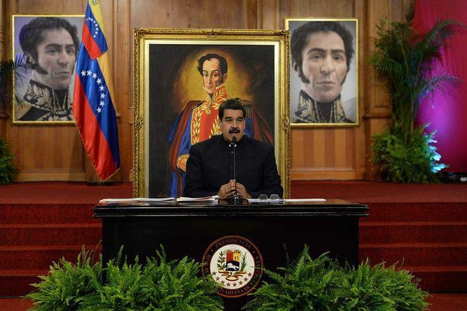 Maduro advierte con repetir elecciones en estados donde ganó oposición