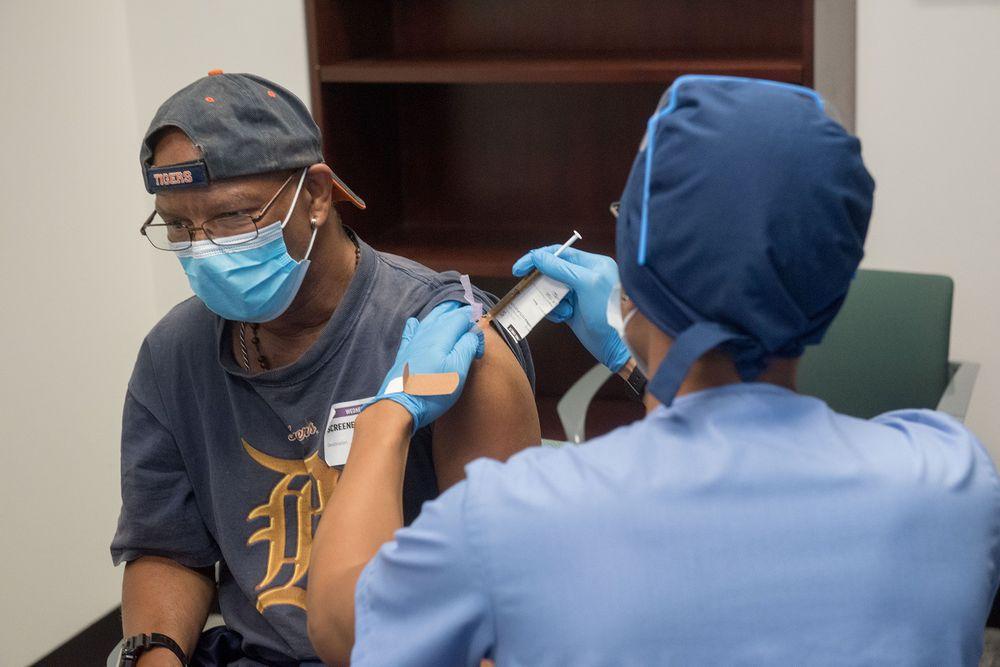 Moderna ya tiene $1,100 millones depositados por su futura vacuna contra la Covid-19
