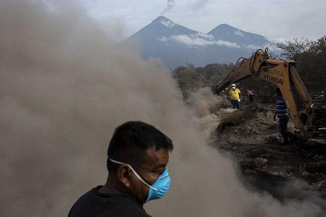 Guatemala: sube a 332 cifra de desaparecidos por erupción de volcán