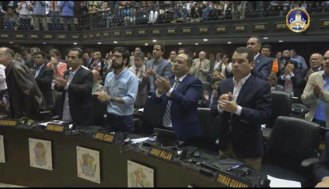 Parlamento debate acciones tras suspensión del revocatorio contra Nicolás Maduro