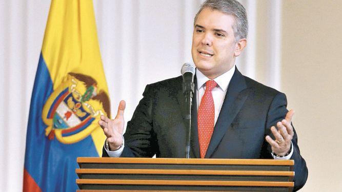 Colombia se expone a rebaja crediticia por débil reforma fiscal