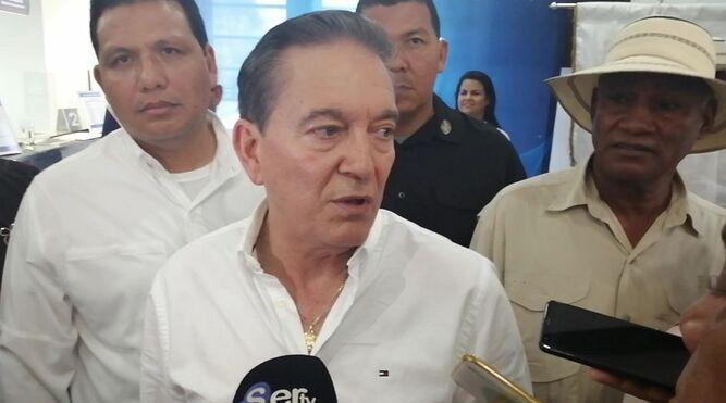 Cortizo habla con cautela sobre los 'Varelaleaks' durante gira de trabajo en Herrera