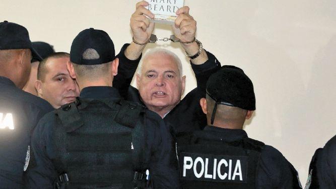 Nuevo escándalo en El Renacer: Martinelli amenaza a custodios