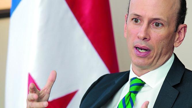 Viceministro Iván Zarak regresa al sector privado