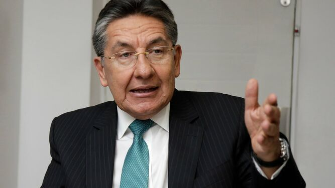Fiscal general de Colombia renuncia por orden de liberación de líder de FARC
