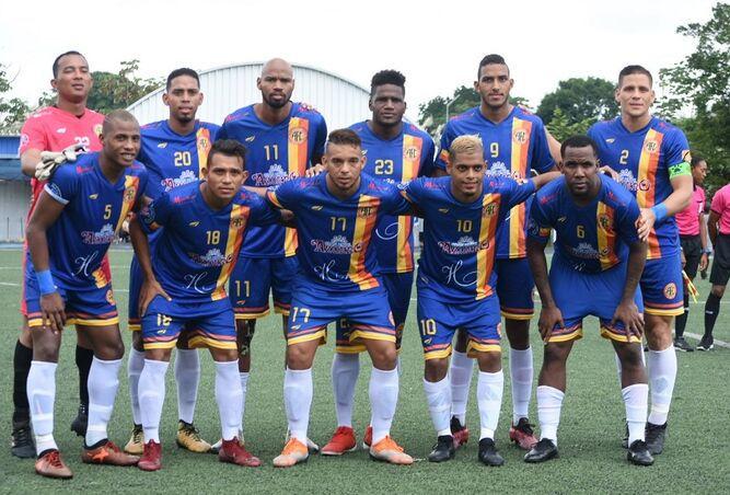 Azuero FC pasa a mandar