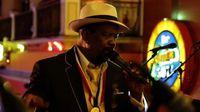 Sobre las dulces melodías del cantante panameño Azuquita
