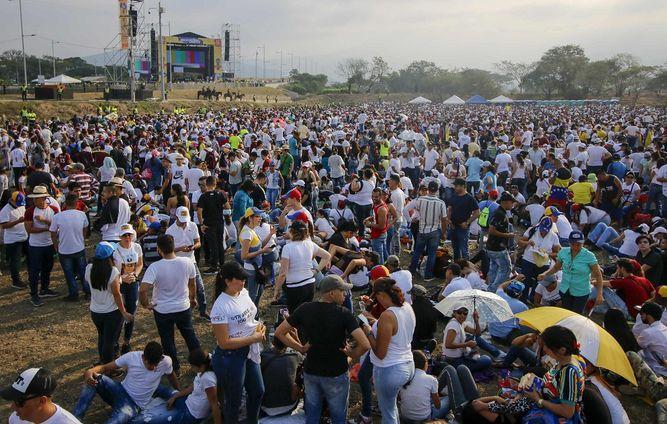 Lucha por el poder en Venezuela se refleja en conciertos