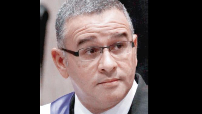 Funes desestima intención de Bukele de pedir su extradición
