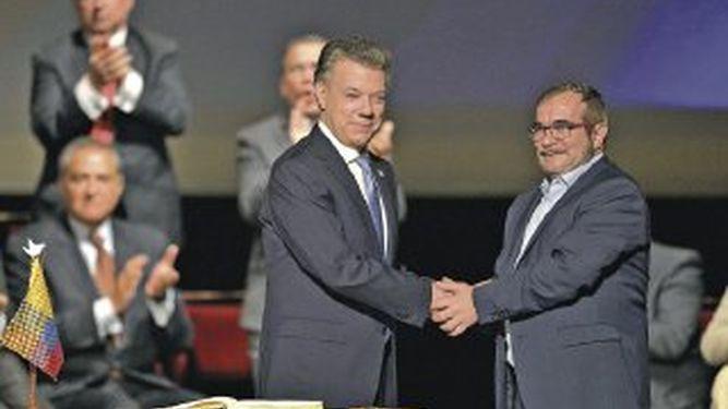 Nueva firma acerca la paz definitiva