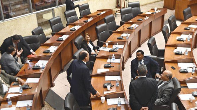 Pleno aprueba resolución para designar a magistrado del Tribunal de Cuentas