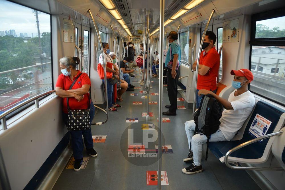 Metro recomienda seguir la 'Guía de autocuidado' para mantener el distanciamiento físico en los trenes