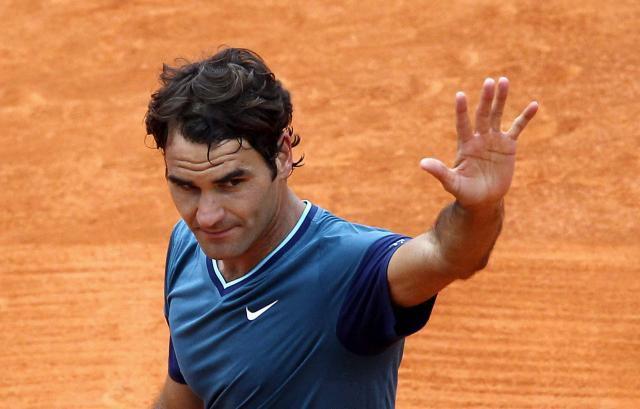 Federer dona un millón de dólares a los más necesitados en Suiza
