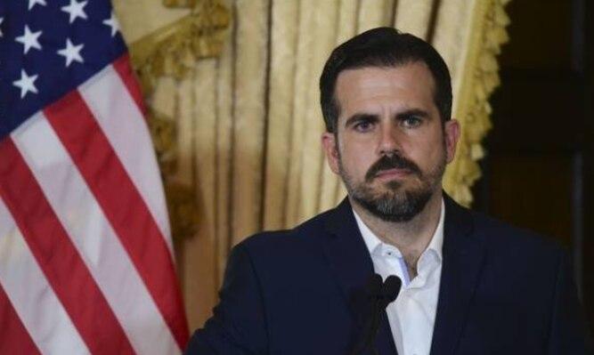 Renuncia el gobernador de Puerto Rico tras 12 días de protestas masivas